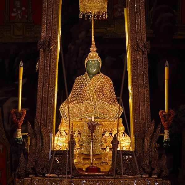 emerald buddha 2