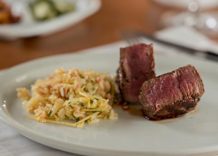 Tenderloin Steak com arroz biro biro