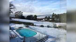 Evento raro cobre de neve região ao norte da Tasmânia