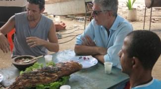 Anthony Bourdain mergulhou nos sabores e na forte cultura da Bahia