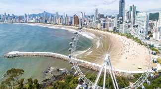 SC: 1ª roda gigante estaiada da América do Sul começa a funcionar nesta sexta