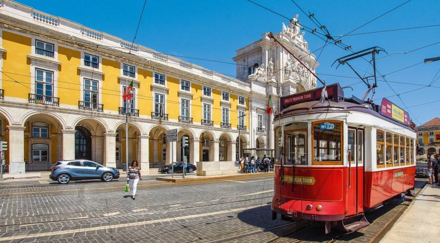 A dispensa de testes não se aplica a atividades culturais e gastronômicas em Portugal, onde são obrigatórios, como restaurantes