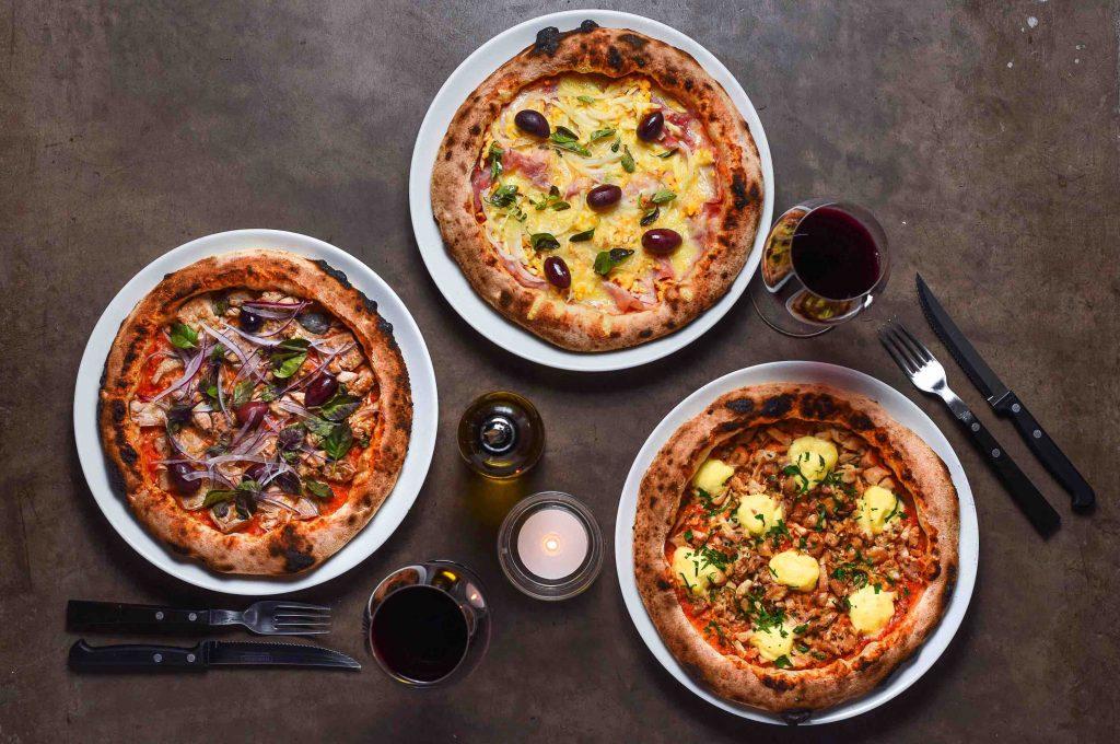 Carlos oferece três sabores especiais de pizza