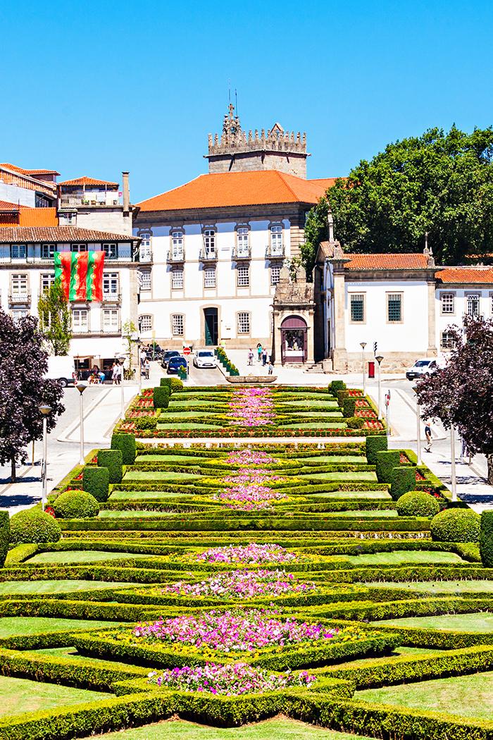 Guimarães, cidade berço de Portugal (Foto: Adobe Stock)