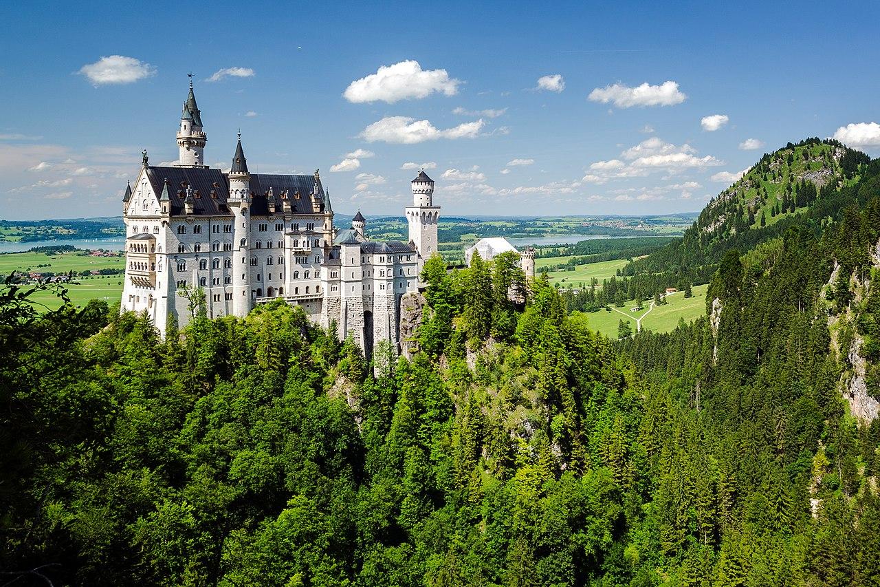 Passeie online por castelos e palácios históricos