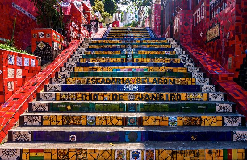 Foto da escadaria Selarón, no RJ