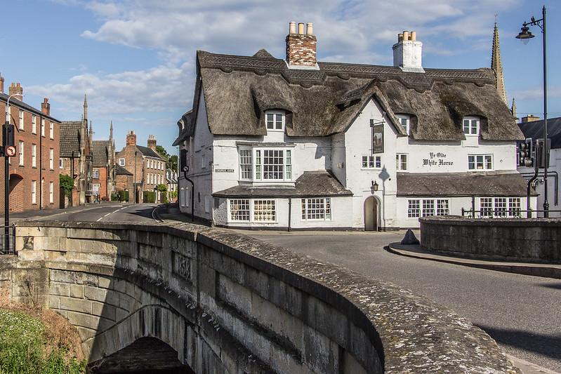 Foto de um pub histórico no Reino Unido
