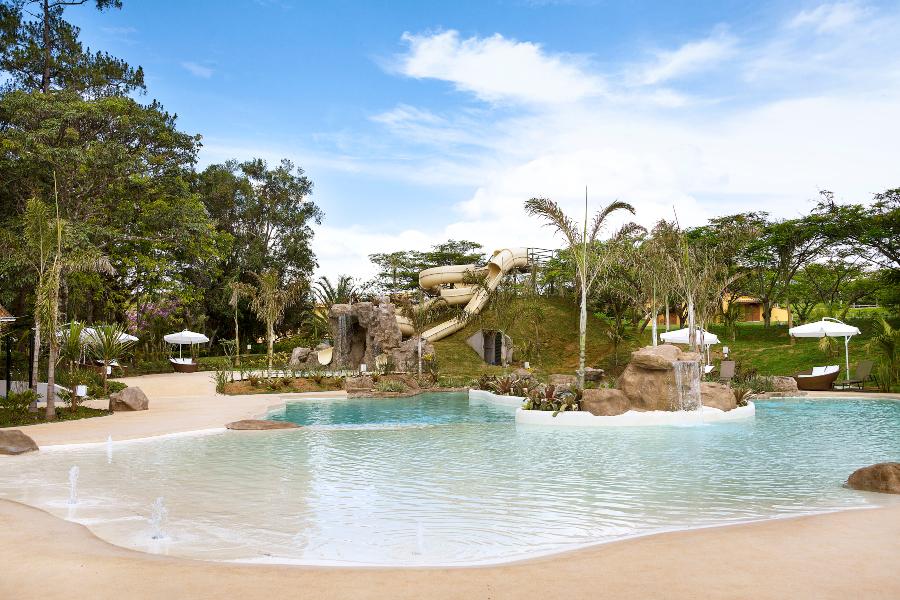 Foto da piscina e áreas de lazer no Santa Clara Eco Resort