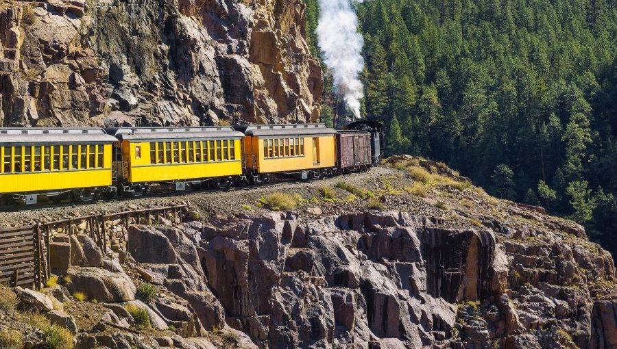 Trem turístico no trajeto entre as cidades de Durango e Silverton, nos Estados Unidos
