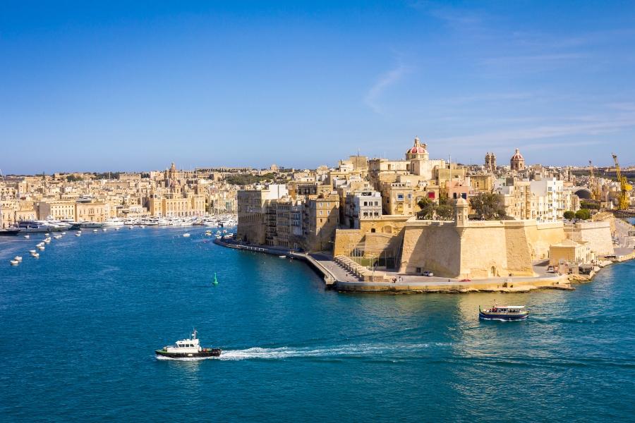 Vista da cidade de Paola de Valletta Waterfront, em Malta