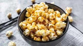 Cinema em casa? Confira uma seleção deliciosa de pipocas gourmet