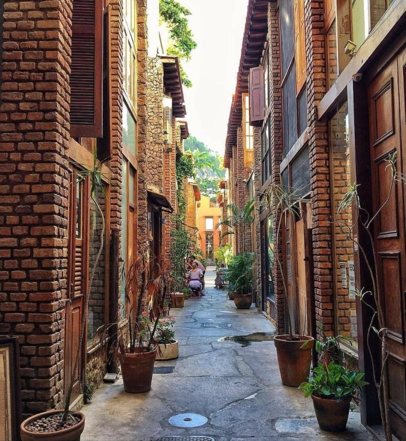 Foto da vila do largo no Rio de Janeiro