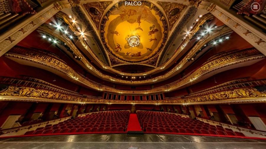 Foto do palco central do Theatro Municipal de SP a partir do passeio virtual