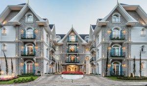 Entrada do Hotel Colline de France, em Gramado