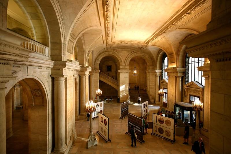 Entrada da Biblioteca Pública de NY
