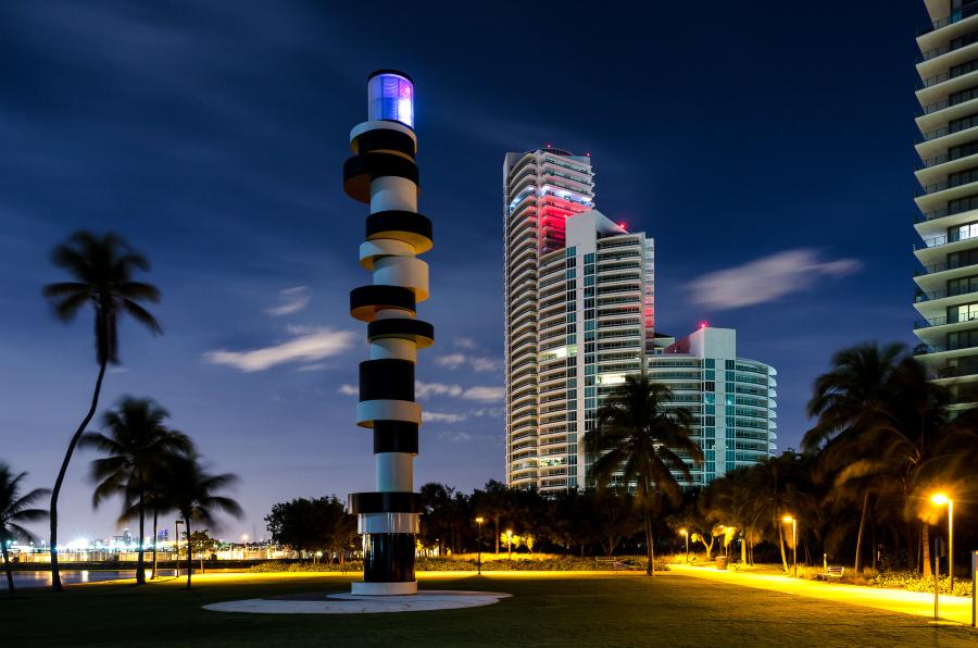 Farol no South Beach Pointe em Miami
