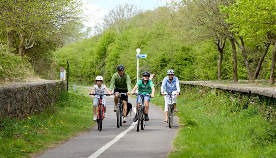 Família anda de bike em Bristol