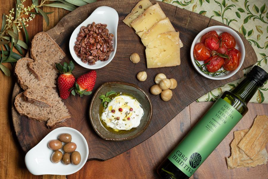Comidinhas e azeite de oliva extra virgem da Casa Mantiva