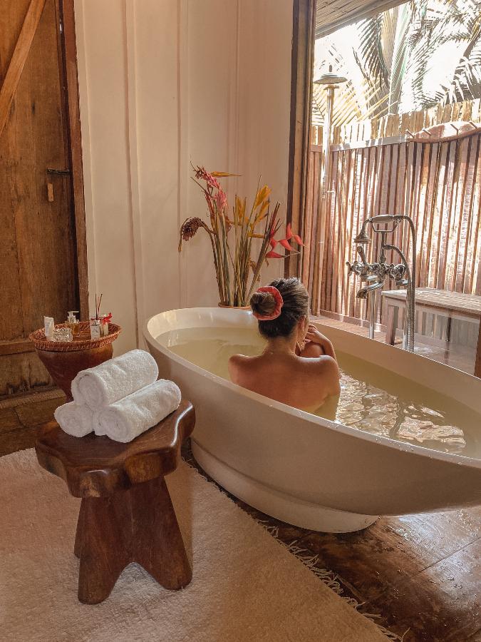 Banheira vitoriana Casa dos Arandis em Maraú