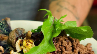 O gosto da redescoberta: chef inaugura primeiro restaurante indígena nos EUA