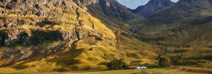 Castelos, vilarejos e montanhas: os cenários reais de Outlander na Escócia