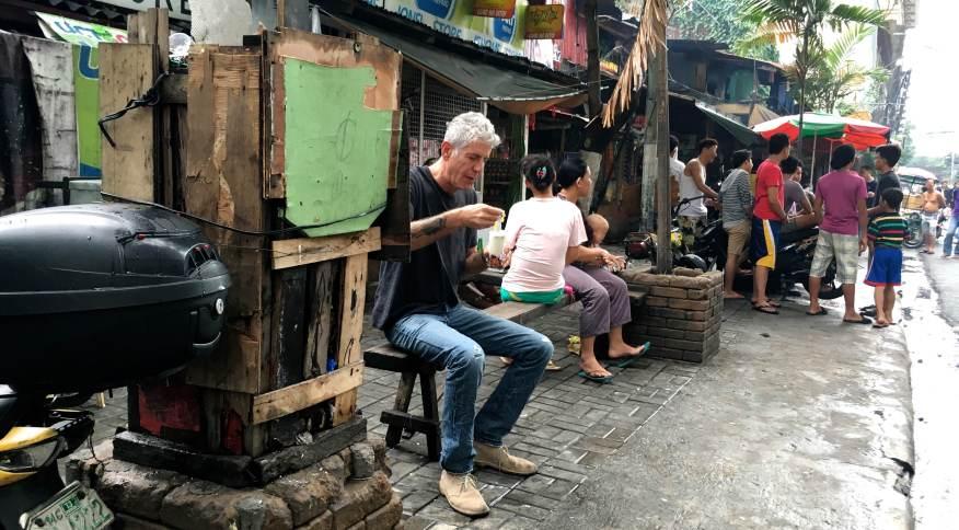 Bourdain experimenta todos os sabores das Filipinas