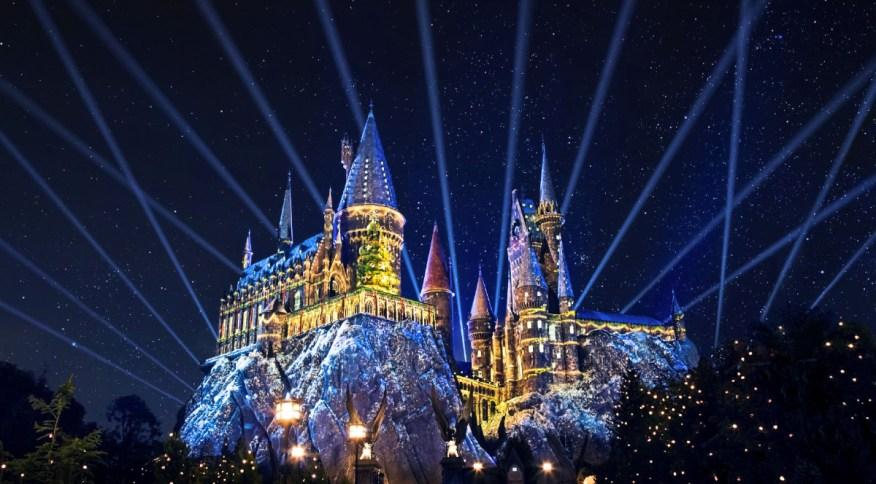 Show de luzes no Castelo de Hogwarts, que ganhará projeções natalinas dos filmes da saga