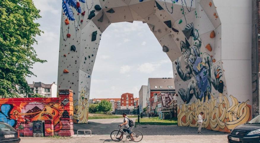 Parque BaNanna, antigo e tóxico terreno baldio transformado em um atraente refúgio urbano em Nørrebro, em Copenhague, na Dinamarca